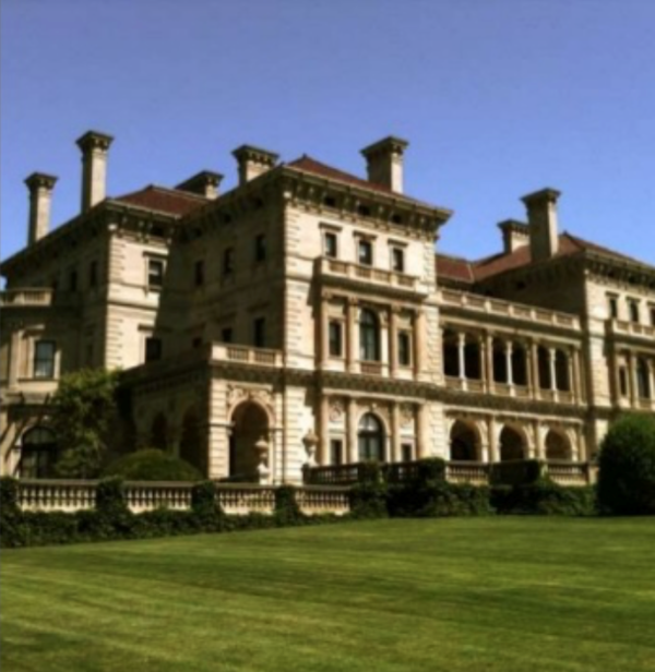 Cornelius Vanderbilt II's summer cottage boasts 138,000 sq ft, 70 rooms, and 1-1/2 baths.